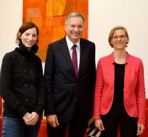 Sozialminister Stöger mit Julia Moser und Bernadette Bauer-Kremser